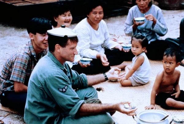 Good Morning Vietnam Nixon Testicles : Good morning vietnam rueducine